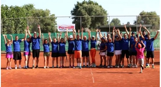 Collective-adults-tennis-team
